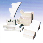 Wear-resistant refractory bricks